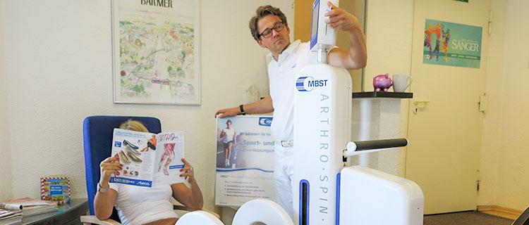 Arztbehandlung an Patientin mit MBST